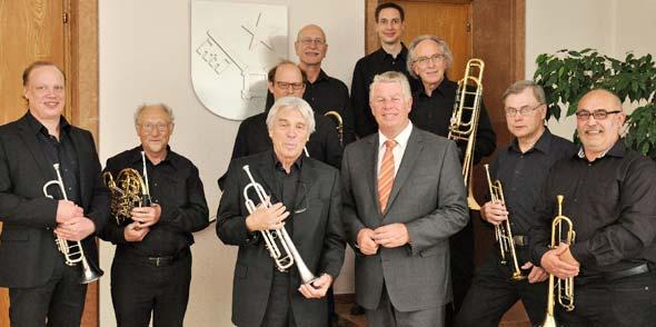 """Als """"wertvollen Beitrag zur Erhaltung und Pflege barocker Musik"""", bezeichnete der Wormser Oberbürgermeister das Wirken des Barockbläserensembles."""