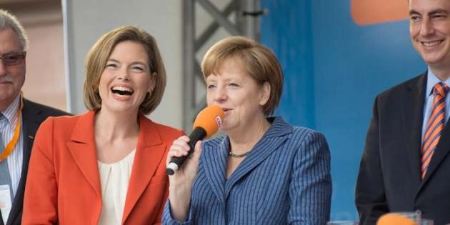 Strahlende Gesichter bei der großen Abschlusskundgebung zur Europawahl in Worms. Von links: Dr. Werner Langen (MdEP), CDU-Landeschefin Julia Klöckner, Angela Merkel und der CDU-Spitzenkandidat für die Europawahl David McAllister. Foto: Judith Lilli Obere