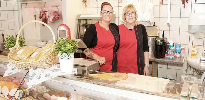 """Seit einem halben Jahr zeichnet Daniela Höhn als Nachfolgerin ihrer Mutter Ingrid Höhn (von links) für die Geschicke von """"Ingrid's Metzgerei"""" verantwortlich. Die Firmenphilosphie hat Daniela von ihr übernommen: """"Wir verkaufen nichts, was wir nicht selbst essen würden."""" Foto: Robert Lehr"""