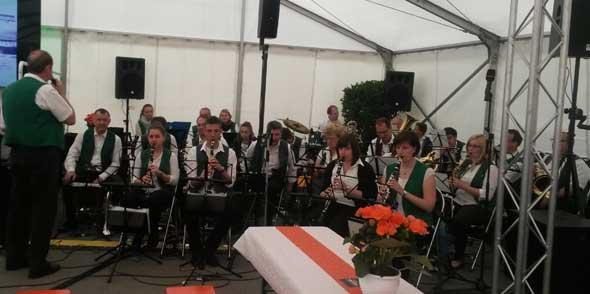 Klarinetten und Trompeten im Zwiegespräch