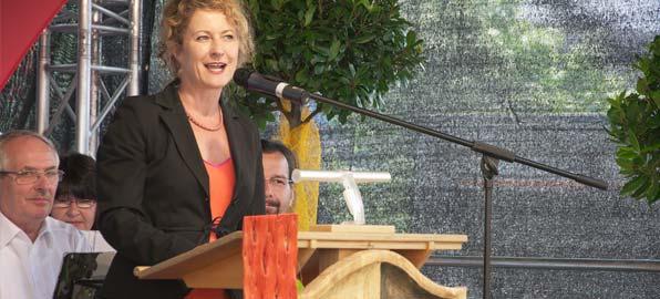 Heike Raab überbrachte auch die besten Grüße von Ministerpräsidentin Malu Dreyer. Foto: Robert Lehr