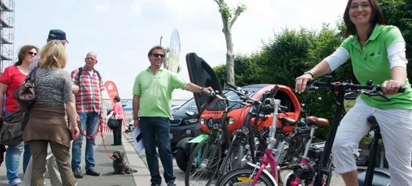 Eines der Themen der Messe waren die verschiedenen Arten der Elektromobilität. Foto: Robert Lehr