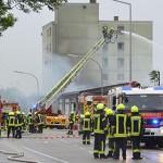 Lagerhalle neben dem Asylbewerberheim niedergebrannt