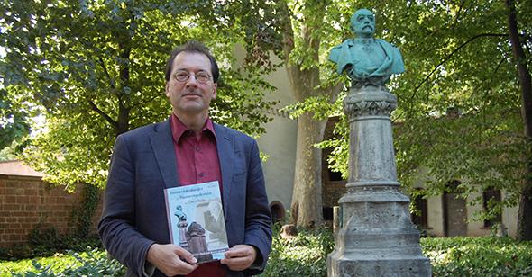 Dr. Jörg Koch ist ein Befürworter der Wiederaufstellung und wird am Samstag eine Rede halten .