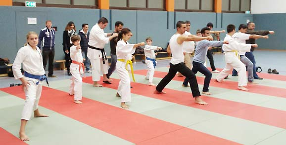 Die anwesenden Gäste und Trainingsteilnehmer konnten sich sportlich bestens austauschen und viel voneinander lernen.