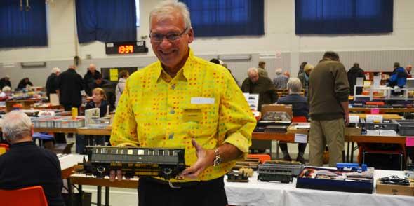 Organisator Michael Günther ist seit Jahren Feierabendhändler mit Herzblut. Foto: Vera Beiersdörfer