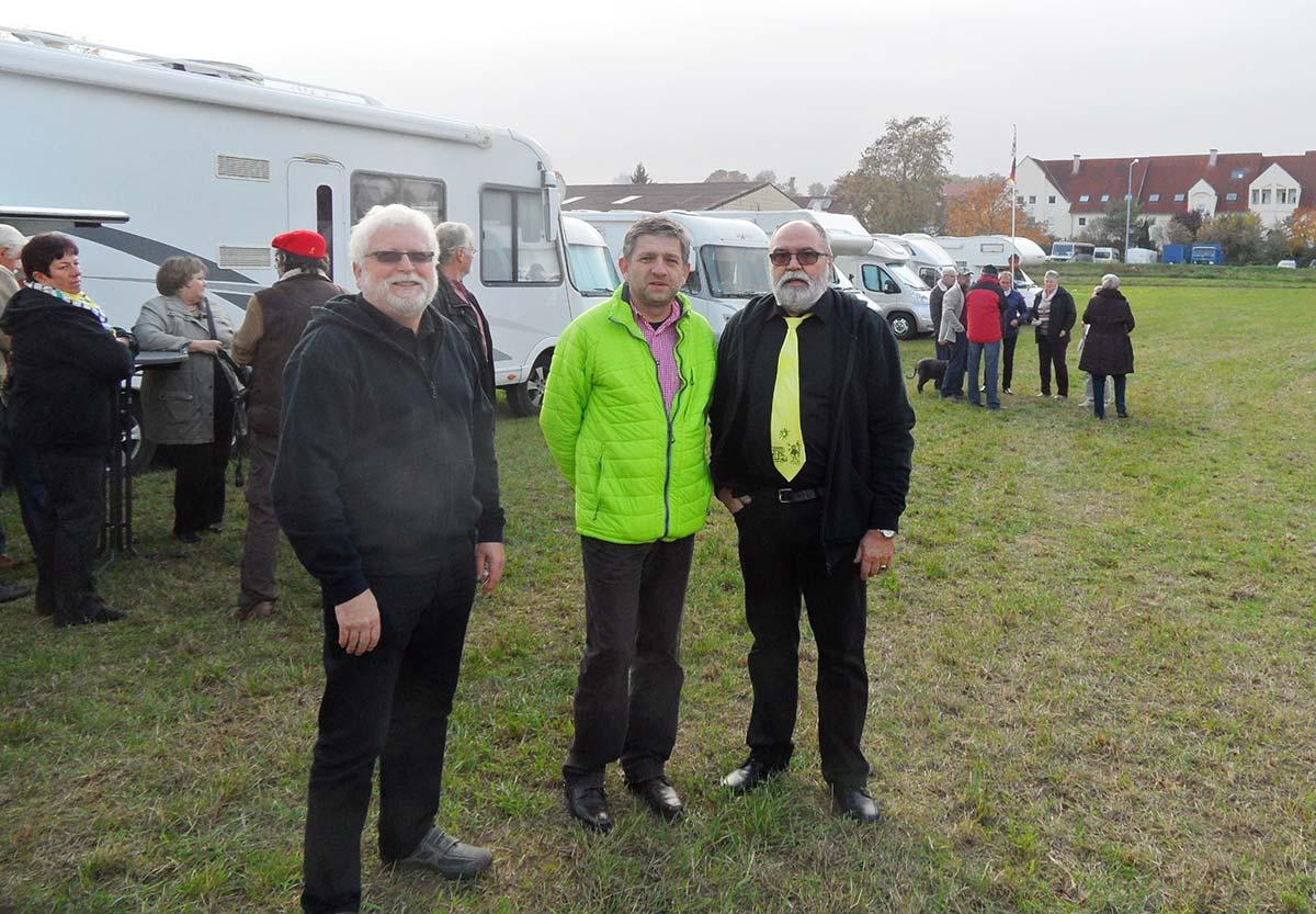 Ankunft und Begrüßung der Wohnmobilfreunde mit dem stellvertretenden Ortsvorsteher in Herrnsheim.
