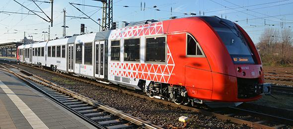 Die neuen Fahrzeuge der Baureihe 622 und 623 verkehren seit Sonntag unter anderem auf der Strecke von Worms nach Bensheim. Foto: Gernot Kirch