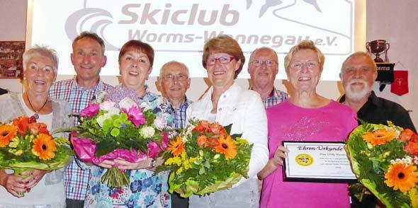 Christa Delano, 1. Vorsitzender Jürgen Erlenmaier, Christa Wolf, Edmund Bayer, Christiane Voll, Jürgen Beckerle, Ulrike Wasner und Jürgen Weiss (von links).