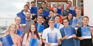 Junge Fachkräfte starten ins Berufsleben