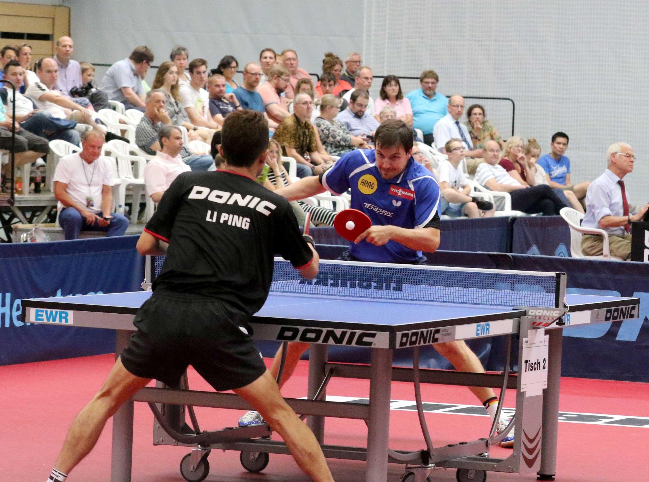 Hochklassiges Tischtennis boten auch Timo Boll und Li Ping.  Foto: Felix Diehl