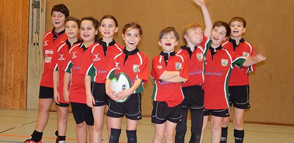 Die Wormser Rugby-Jugend hatten nach einem erfolgreichen Turnier allen Grund zur Freude.