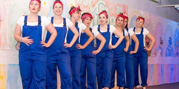 """Das """"hauseigene"""" Ballet begeisterte zu fetzigen Rhythmen. Foto: Wolfgang Hinterbauer"""