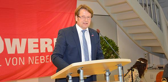 Kreishandwerksmeister Bernd Kiefer hielt ein beeindruckende Rede. Foto: Gernot Kirch