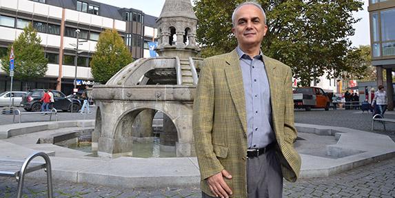 Ahmet Cengelköy lebt seit 1981 in Worms und engagiert sich für eine erfolgreiche Integration der Zuwanderer. Foto: Gernot Kirch