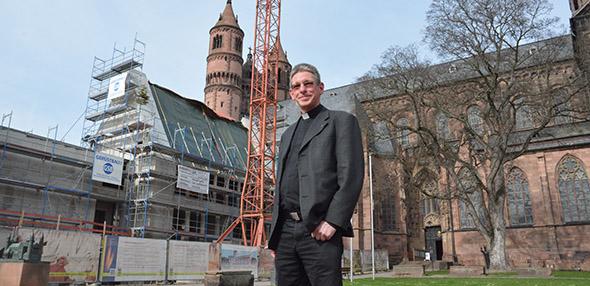 Das Haus am Dom bleibt ein umstrittenes Vorhaben. Dompropst Tobias Schäfer befürwortet das Projekt. Foto: Gernot Kirch