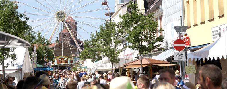 Das Strohhutfest lockt jedes Jahr rund 250.000 Besucher nach Frankenthal. Foto: Karolina Krüger