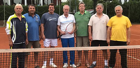 Von links: Roland Schäffner, Gerd Neidig, Dieter Pauly, Wolfgang Letmathe, Klaus Wenzel, Axel Kosubek, Herbert Merz. Abwesend: Willi Schneider