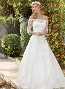 Traumhaftes Brautkleid aus feinster Spitze in romantischem Vintage-Stil