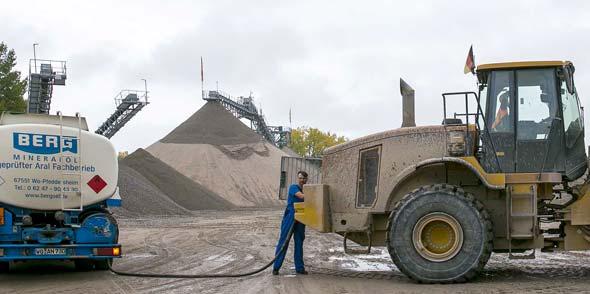 Berg Energie beliefert Landwirtschaft, Transport- und Baufirmen mit Aral Superdiesel vor Ort.