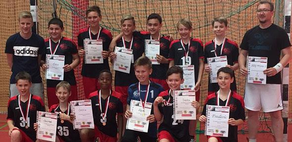 So sehen Sieger aus! Die erfolgreiche D1 der HSG-Handballer.