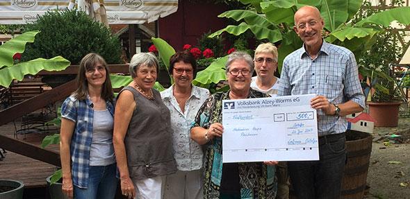 """Der Verein """"Stationäres Hospiz Rheinhessen"""" durfte sich ebenfalls über eine Spende der Osthofener Landfrauen freuen."""