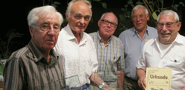 """Die Mitglieder des Kegelclubs """"Gut Holz"""" feierten ihr 60-jähriges Jubiläum."""