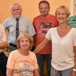 Mitglieder des Seniorenbeirats mit Andrea Knierim vom Seniorenbüro der Stadt (3. von rechts) vor ihrer ersten Sprechstunde im Juli 2017 in Zimmer 23 im Rathaus.