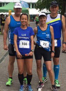 Die Läufer in Bellheim kurz vorm Start: Udo Kieselbach, Kamila Pawlowska, Elke Bauer und Ralf Bauer (von links).