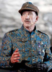 Heio von Stetten in seiner aktuellen Rolle als Hagen/Hauptmann Fritz Klein. Foto: Karolina Krüger