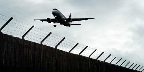 25.000 Asylbewerber sind im vergangenen Jahr mit dem Flugzeug abgeschoben worden.