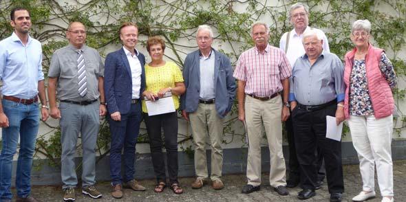 VG-Bürgermeister Max Abstein, Martin Hess, Jan Metzler, Christine Müller, Hans Baier, Hans Joachim Müller, Achim Conrath, Manfred Bogner und Angela Löwenstein (von links).