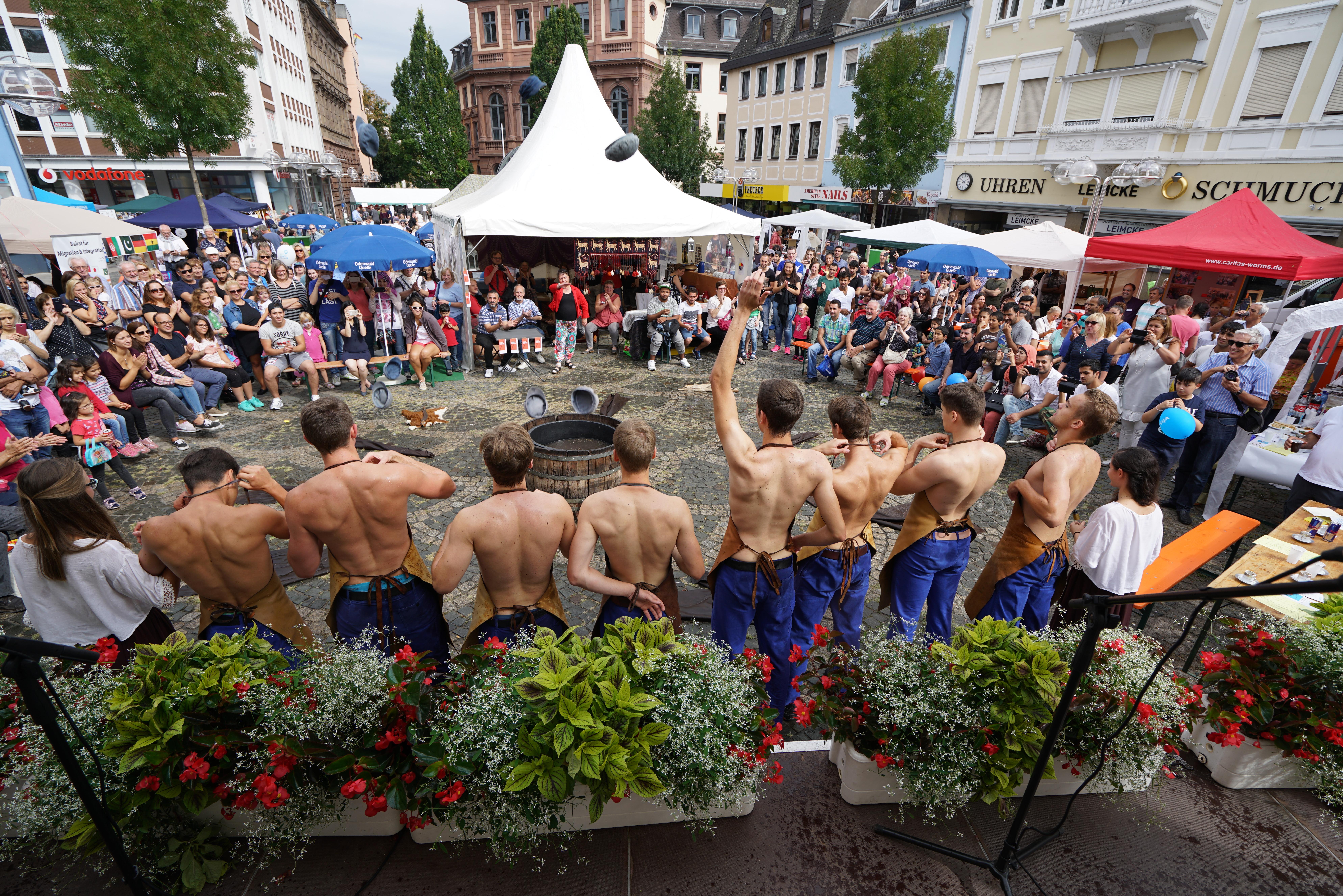 Das Fest der Kulturen findet auf dem Obermarkt statt.