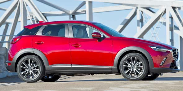 Der Kraftstoffverbrauch kombiniert für den Mazda CX-3 KIZOU SKYACTIV-G 120 (FWD) bei 5,9 l/100 km, die CO2-Emmissionen belaufen sich kombiniert auf 137 g/km.