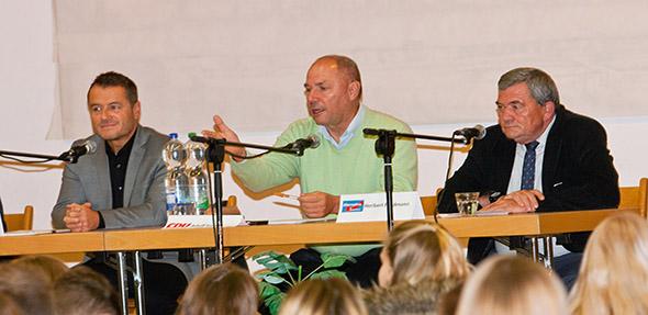 Engagierte Diskussion in der Paternusschule . Von links: Jens Guth, Adolf Kessel und Heribert Friedmann.