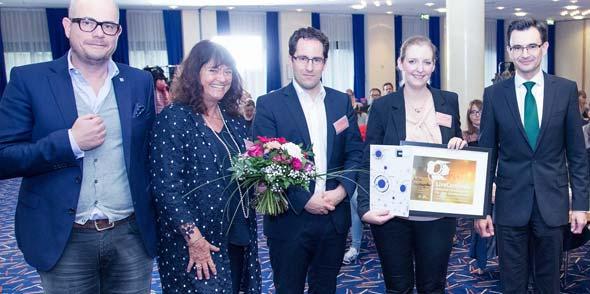 Von links: Jan Kalbfleisch, Prof. Dr. Cornelia Zanger, Prof. Dr. Lothar Winnen, Julia Hachenthal, Prof. Dr. Gerd Strohmeier (Rektor TU Chemnitz)