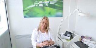 Tina Cini – Institut für Kosmetik im Herzen der Stadt, bietet ein vielfältiges Verwöhn-Programm rund um das Thema Schönheit. Geschäftsinhaberin Tina Herbert bietet wirksame Hautpflege und Permanent Make up auf höchstem Niveau. Foto: Steffen Heumann