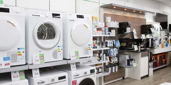 Eine große Auswahl an Küchen- und Haushaltsgroßgeräten präsentiert die moderne Ausstellung von EP:Sirimsi.