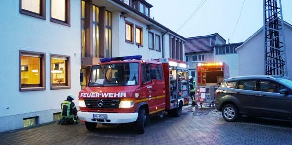 VG-Bürgermeister Maximilian Abstein lobte die professionelle Hilfe der Feuerwehr.