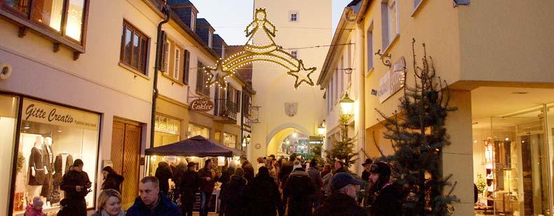 Auch zum Christkindlmarkt erstrahlt die idyllische Innenstadt im entsprechenden Glanz. Foto: Robert Lehr