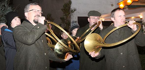 Musikalische Darbietungen runden das Programm des Pfiffligheimer Weihnachtsmarktes ab.