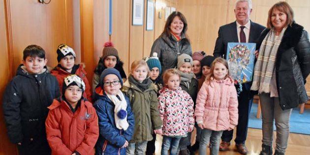 Der Besuch des OB an seinem Geburtstag ist ein fester Termin für die Kinder der Villa Augustin.