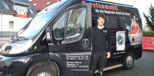 Service wird bei Xpresso großgeschrieben – auch dank des Servicemobils. Kai Hallmer wartet und repariert Kaffeemaschinen sowie Haushaltsgroßgeräte gerne bei Ihnen vor Ort. Foto: Benjamin Kloos