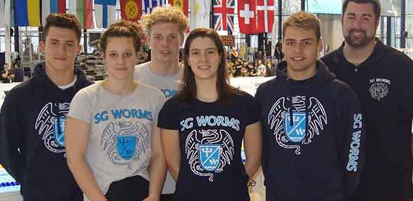 Von links: Adrian Burg, Kyra Wiegand, Lucca Laske, Luna Marie Schmell, Maximilian Rehberg und Trainer Matthias Pfeiffer.