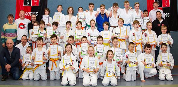 Die erfolgreichen Prüflinge des 1. Judo Clubs Worms