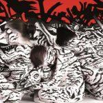 Neben zahlreichen Ausstellungen wird das Duo auch von namhaften Firmen wegen ihrer Bodypainting-Kunst gebucht.