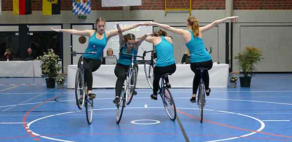 Der VfH-Kunstradvierer qualifizierte sich auch für die Entscheidung um die EM-Qualifikation.