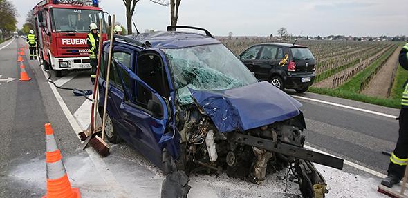 Auf der B9 ereignete sich am Donnerstag ein schwerer Unfall. Foto: Fotoagentur Die Knipser