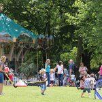 Das beliebte Karussell sorgt beim Tiergartenfest mit Jahrmarkttreiben für eine stimmungsvolle Kulisse.