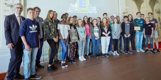Die Schülerinnen und Schüler der Nelly-Sachs-IGS Worms freuten sich über ihren zweiten Platz. Foto: Michael Bode